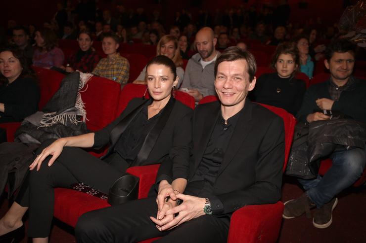 Оксана Фандера была рядом с режиссером в тяжелое время борьбы с болезнью
