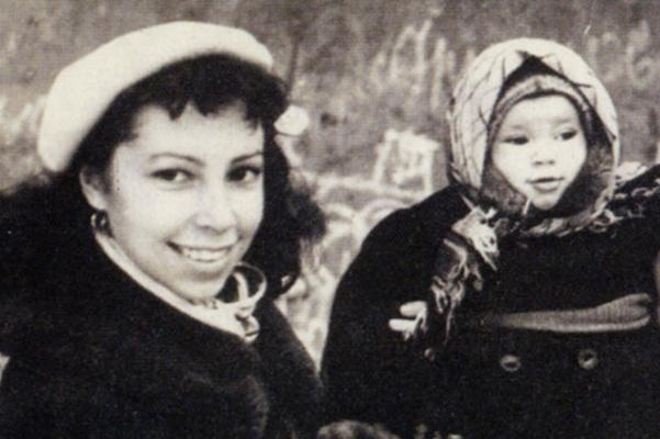 Первая супруга Ирина подарила актеру дочь Надежду