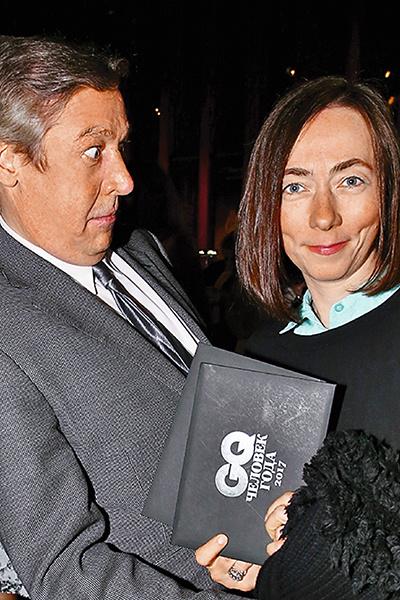 Сейчас Михаил счастливо женат на Софье Кругликовой