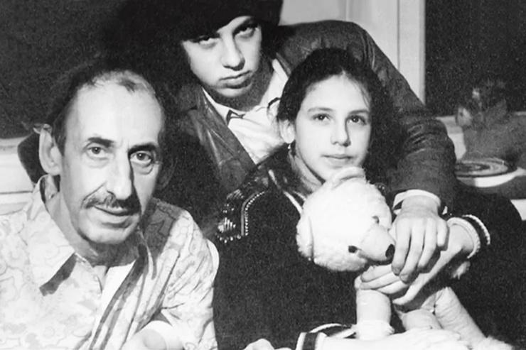 После третьего развода Басов жил с детьми