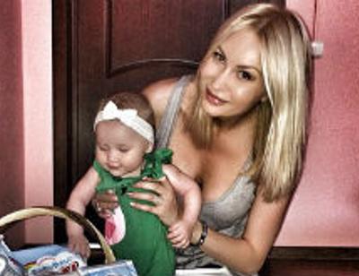 Элина Камирен познакомит дочь с первым ребенком Задойнова