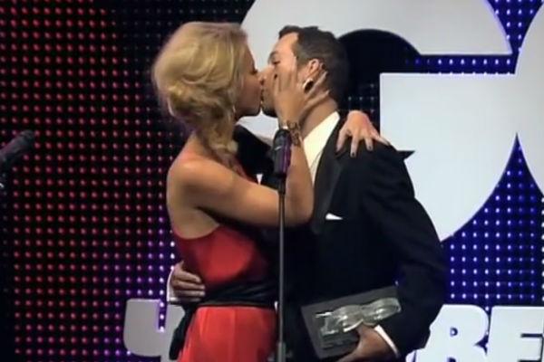 Журналисту понравился страстный поцелуй с Собчак
