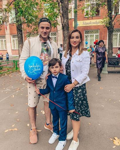 Анфиса Чехова с экс-супругом и сыном