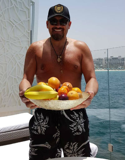 На отдыхе певец предпочитает употреблять больше свежих фруктов