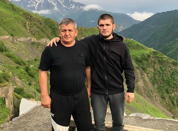 В июле скончался отец Хабиба.