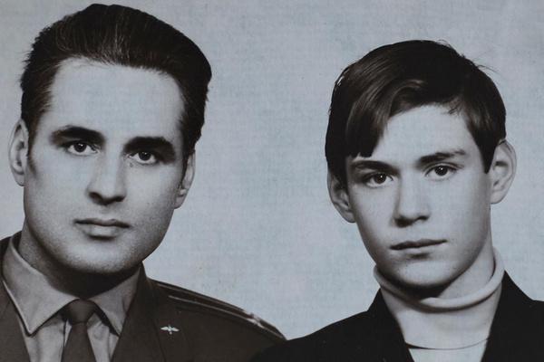 Отец Сергея Доренко был военным летчиком