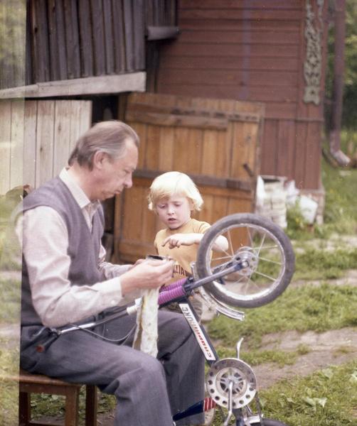 Олег Ефремов ушел из жизни 20 лет назад
