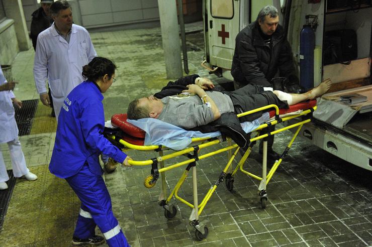 В день теракта больницы Москвы и области были заполнены пациентами из Домодедово.