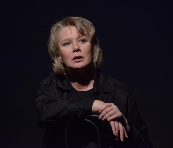 Недавно вышел моноспектакль «Тюремный психолог», где режиссером и исполнителем стала Дарья Михайлова