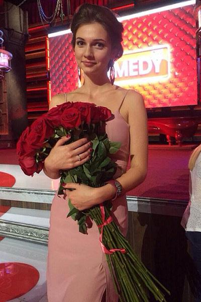 Не все розы в этот вечер предназначались для Дарьи