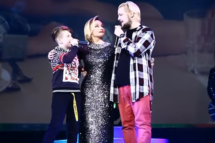 Певицу поддерживают сыновья — Никита и Александр
