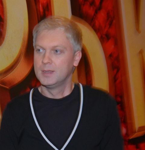 Больного коронавирусом Сергея Светлакова госпитализировали в тяжелом состоянии