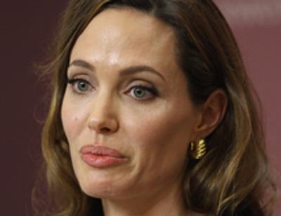 Анджелина Джоли покупает мужу трусы Бекхэма