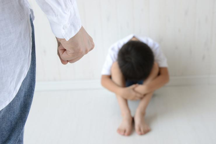 Мужчина систематически избивал ребенка
