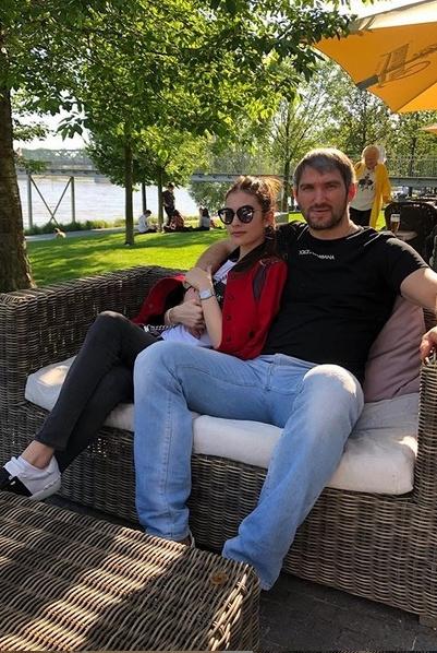 Анастасия Шубская поддержала любимого супруга