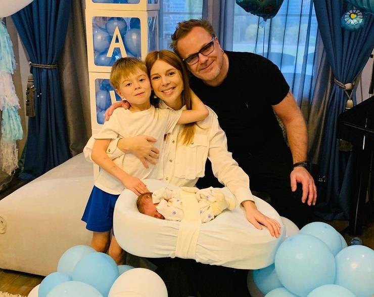 Наталья Подольская с семьей