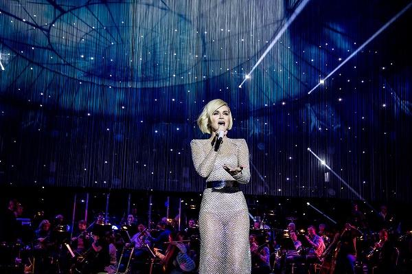 Полина Гагарина тоже исполнит свои песни
