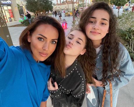 Сафина редко появляется на снимках вместе с мамой и сестрой