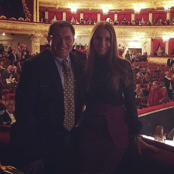 Судя по всему, супруга телеведущего осталась в восторге от посещения Большого театра