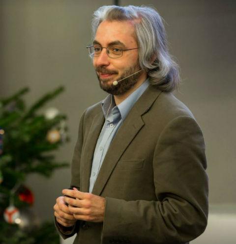 Юрий Калнишкан на одной из своих лекций