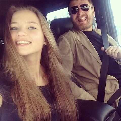 Две недели назад в Сети появилась информация о том, что Евгений Кафельников поссорился с дочерью