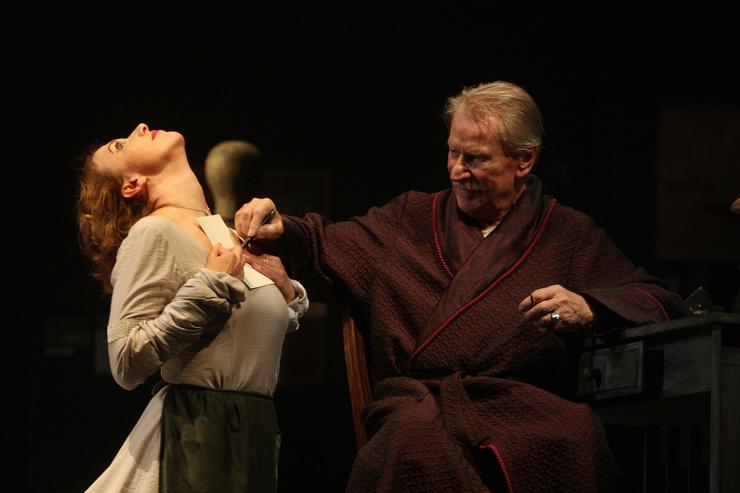 Иван Краско играет в театре