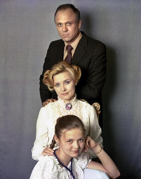 Юлия — единственная дочь Владимира Меньшова и Веры Алентовой
