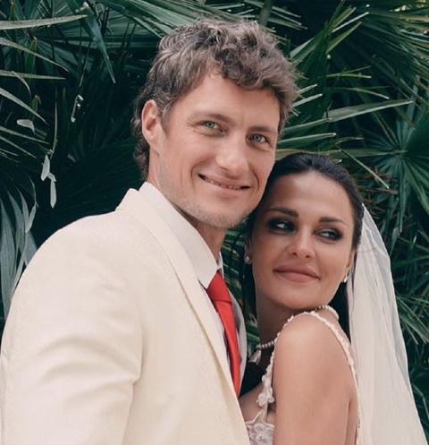 Александр и Ксения вернулись на проект