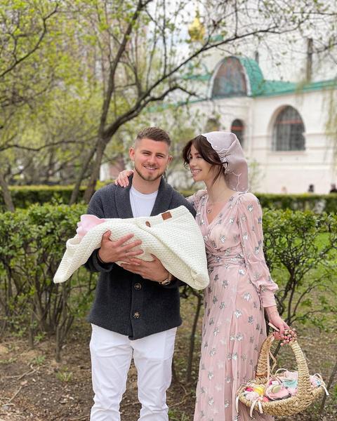 Алекса с мужем Вячеславом Дайчевым и дочерью Адрианой