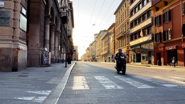 Всегда шумные города Италии как будто вымерли