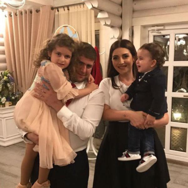 Жасмин и Илан Шор c детьми