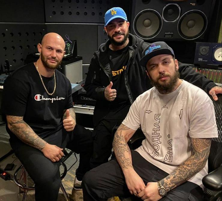 Артисты записывают новый трек