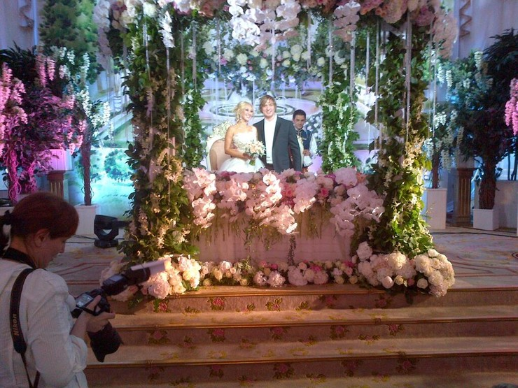 Свадьба пела и плясала до поздней ночи