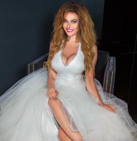 «До свадьбы мы еще 150 раз можем поссориться и помириться», – признается Водонаева. На фото – в платье Vera Wang, модель – Josephine