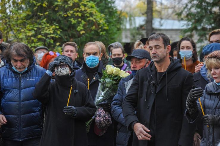 Инна Чурикова с супругом Глебом Панфиловым и Дмитрий Певцов