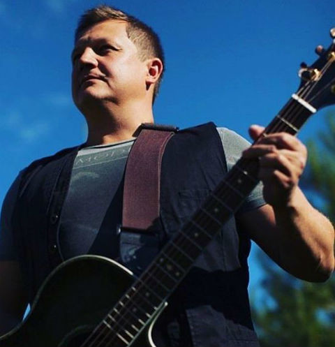 Бас-гитарист группы «Любэ» Павел Усанов