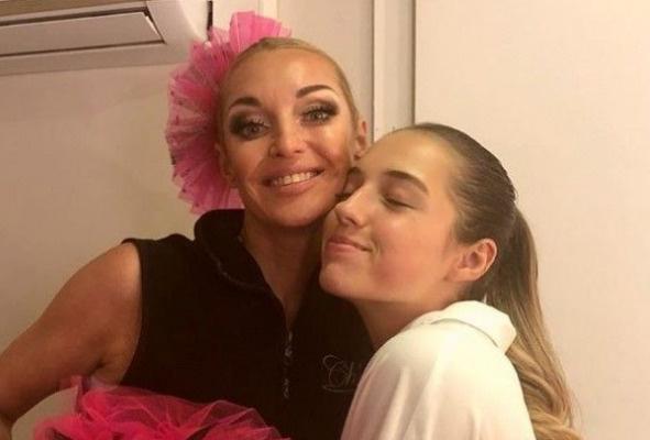Настя с дочерью Ариадной