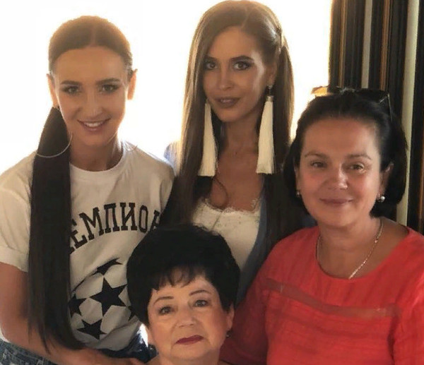 Ольга благодарна родным за их любовь и поддержку во всех ее начинаниях
