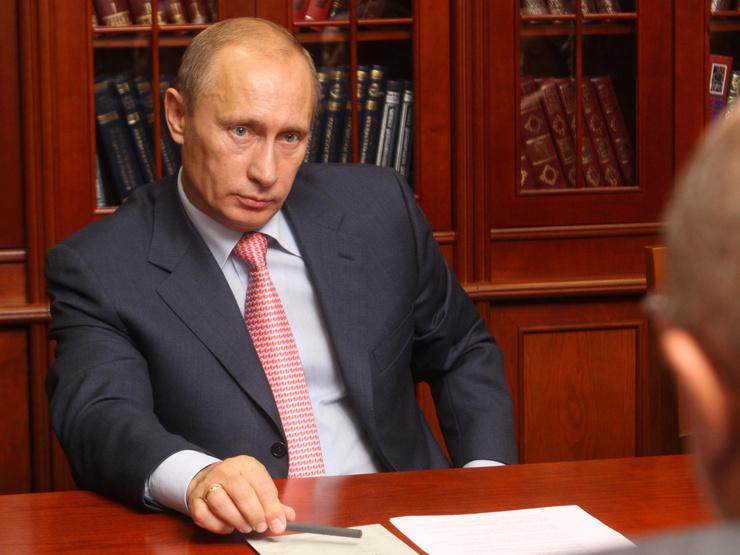 Владимир Путин родился 7 октября.