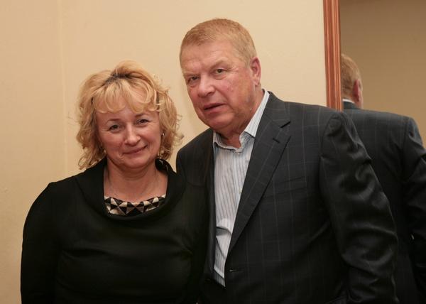 Дочь Михаила Кокшенова познакомилась с тайной сестрой