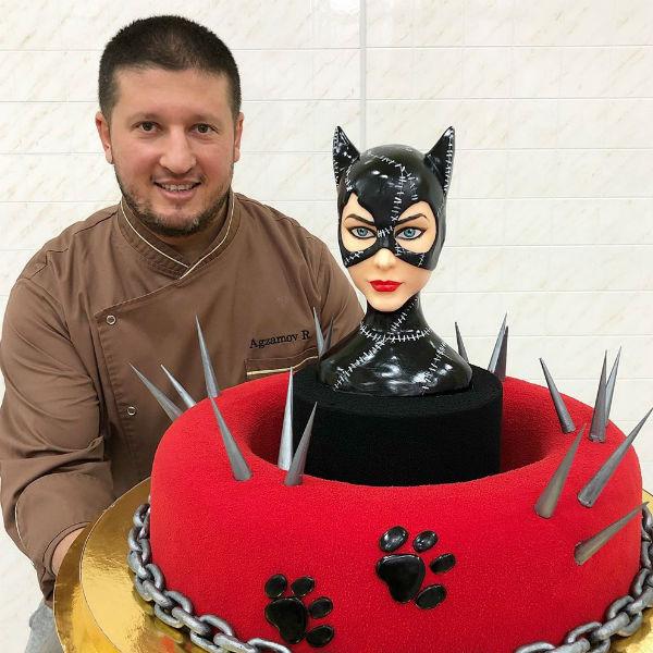 Ренат прославился благодаря роскошным тортам
