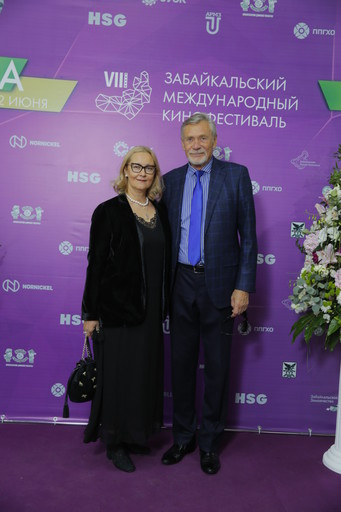 Александр Михайлов с супругой