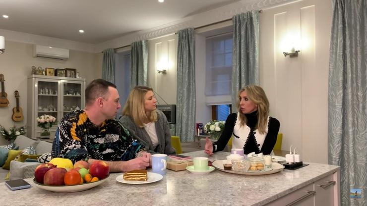 Супруги редко общаются с журналистами