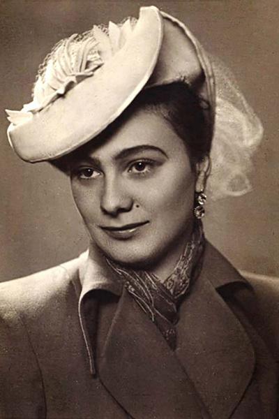 Первой любовью артиста стала Галина Брежнева