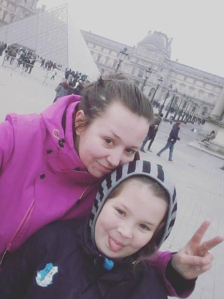 Внучка Елена и ее дочь Таисия не приходили в музей Гурченко