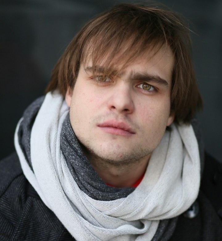 николай ефремов биография фото представляет собой
