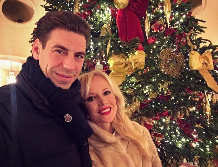 Дмитрий отмечает, что супруга всегда и во всем поддерживает его