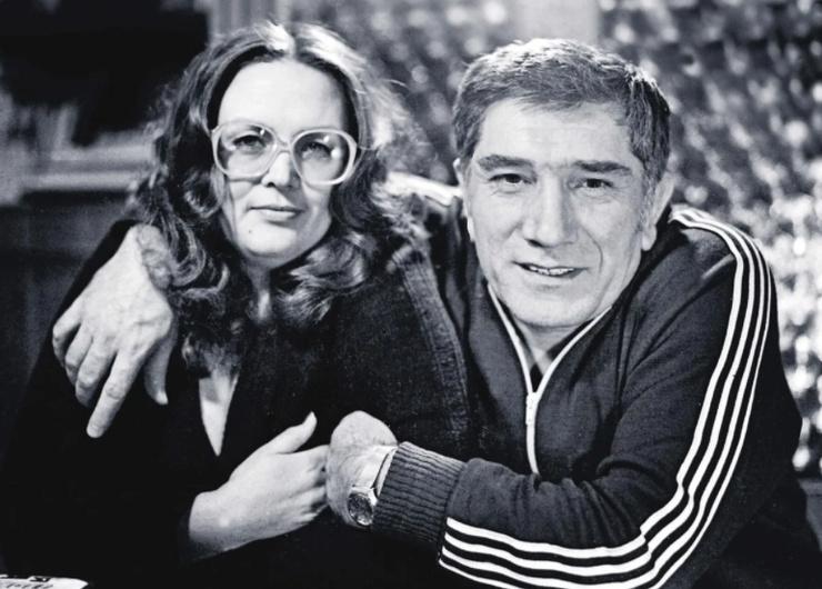Джигарханян познакомился с Власовой в театре в Ереване