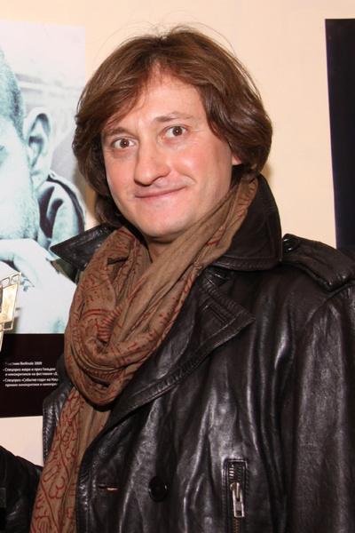 Сергей Дандурян был оператором «Самого лучшего фильма» и продюсером ленты «Гоп-стоп»