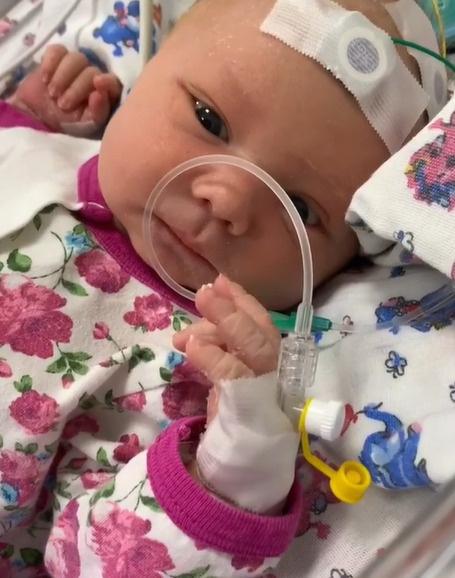 Сын Саши Черно попал с судорогами в реанимацию после рождения